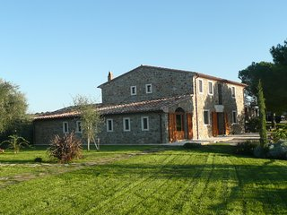 Beautifully restored stonehouse with stunning panorama, vineyard and olive farm