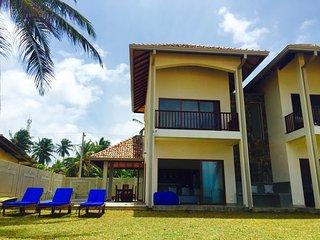 Salt Villa - Beachfront and Private Pool - luxury 3BR