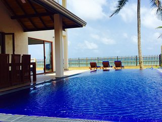 Salt Villa - Beachfront and Private Pool - luxury 3BR, Ambalangoda
