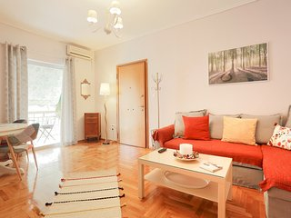 Cosy and bright 2-bedroom apartment in Koukaki