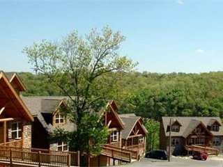 THE LODGES AT TABLE ROCK LAKE Branson, Missouri