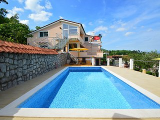 2 bedroom Apartment with Pool, Air Con and WiFi - 5061552