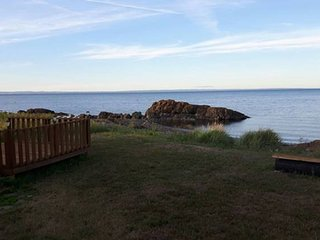 Cozy 31 foot camper - Oceanfront lot, Pointe-Verte