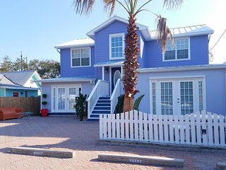 The Surf Bunny! 2BR/2BA Private Apartment,  Gated BEACH & POOL