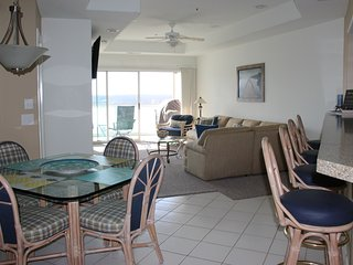 Great View-Screened Deck, Must See! 3BR/2BA 1400ft2