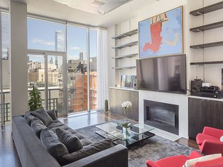 LUXURY 3 BEDROOM / 3BATH CHELSEA PENTHOUSE ROOFDECK