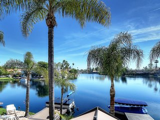 Spectacular Waterfront with Boat & Dock Plus Pool/Tennis/SPA/Fishing, Laguna Beach