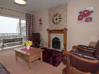 'NEW THIS YEAR' Town House with Views to Great Orme, WiFi, Smart TV, Balcony