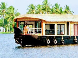 1 Bedroom Premium Houseboat