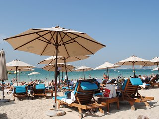 Beach front 3 bedroom apartment at Rimal 6