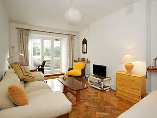 LOVELY GARDEN FLAT IN NOTTING HILL