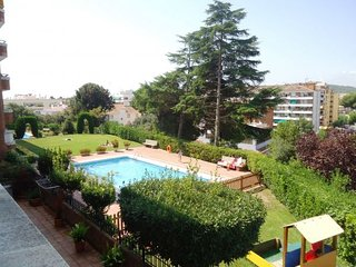 CHARMING FLAT IN LLORET WITH POOL