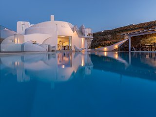 9 bedroom Villa in Faros Armenistis, South Aegean, Greece : ref 5252041