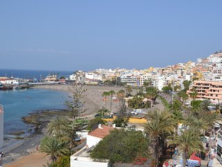 First line Los Cristianos, Pool, WIFI, beach at 50 m