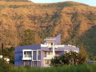 4BHK Unique bungalow at Wai,Mahableshwar