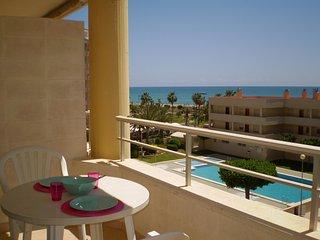 (Ref 121) Apartamento para 4, cerca de la playa, con piscinas, pkg y buena zona, Peñíscola