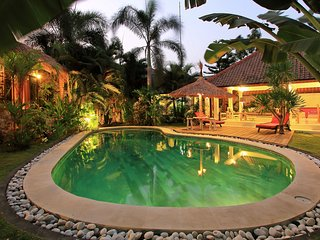 Beautiful big luxury villa/ pool table/ Center Seminyak.