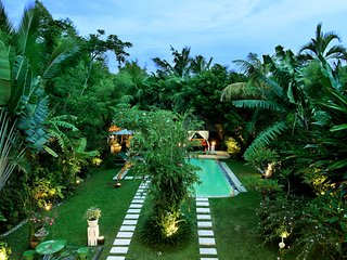 Bima - 10 Bedroom, 4 Villas, 4 Pools next to the other, Sleeps up to 20 guests, Seminyak