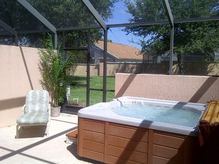 Relaxing 3 bed 3 bath Spa home at the 5* Gated Windsor Palms Resort near Disney, Kissimmee