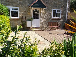 Two bedroom character cottage in Bothenhampton, Bridport.