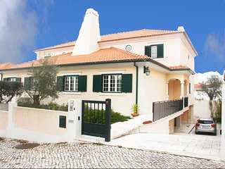 Great country house near Lisbon holds 8, Pool/BBQ