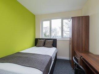 Birmingham Guest House 30, Flat 1