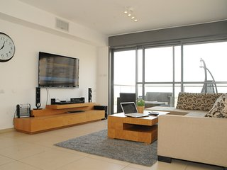 DREAM LUXURY FAMILY APARTMENT TEL AVIV OCEAN FRONT, Jaffa