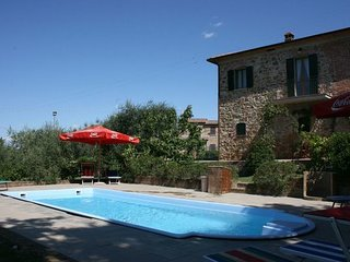 5 bedroom Apartment in Santa Maria, Val D orcia, Tuscany, Italy : ref 2386175