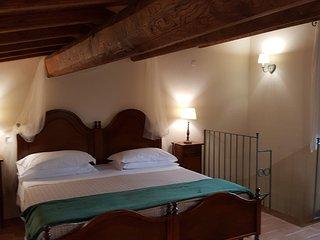 Casale con piscina e idromassaggio per vacanze in Umbria: 'Appartamento Salvia'.