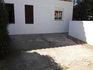Apartamento en paseo marítimo con jardín y barbacoa en el centro de Ciutadella, Ciudadela