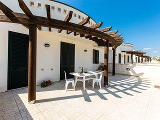 Villetta 7 posti letto a 200 metri dal mare ed a 5 km dalle spiagge di Gallipoli