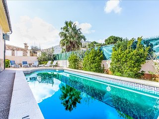 Lovely chalet with pirvate pool in Puerto Alcudia