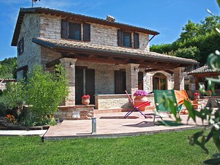 VILLA DORIANA - Private Villa with Pool, wi-fi, barbecue area, panoramic view, Acqualagna