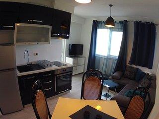 Apartment Marino + db room, Makarska