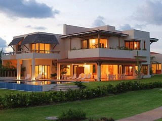 6 BR Upscale House in Punta de Mita , 5 five minutes away from Punta Mita beach!