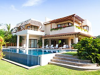 6 BR Upscale House in Punta de Mita , 5 five minutes away from Punta Mita beach!
