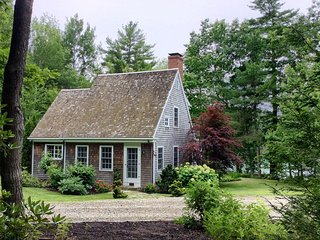Year-round Cottage, Half-Moon Cove, Damariscotta River - a kayaking paradise, South Bristol