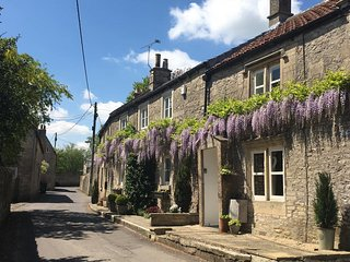Gorgeous Cottage in the Bath Countryside, perfect for town & country. (RC), Colerne