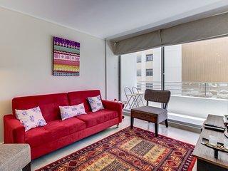Chic condo w/ modern amenities & private balcony - close to public transit!