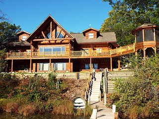 White Stag Lodge - Northern Michigan Cabin Rental, Lewiston