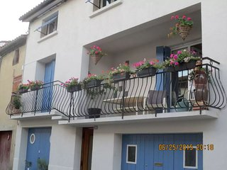 Le Balcon ---An entire apartment within an 18th century house