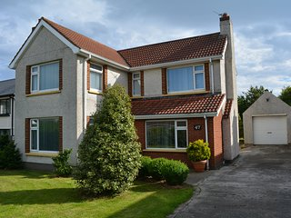 Spacious house with 2 double bedrooms downstairs and 4 double bedrooms upsta, Portstewart