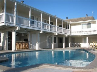 7BR/6BTH - Pool, hottub, 300 feet on water, fishing