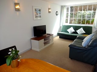 The Beulah, 1 bed apartment, walk to beaches and Torquay centre