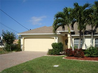 Villa Gail: great 2 bedroom Pool Home, Cape Coral