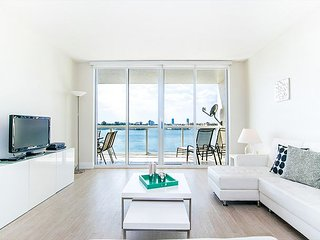 G. Bay Premium 2 | 2 Bed 2 Bath, Amazing Intracoastal Views!