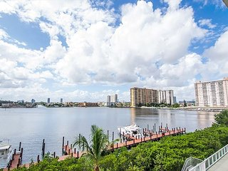 G. Bay Standard 3 | 2 Bed 2 Bath, Amazing Intracoastal Views!, Sunny Isles Beach