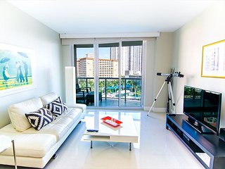 SUMMER 20% OFF: O. Reserve Premium   1 Bed 1 Bath, Steps away from the Beach