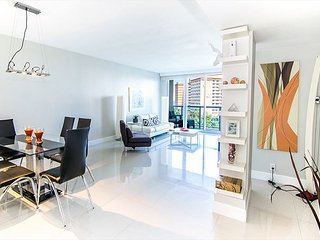 SUMMER 20% OFF: O. Reserve Premium   1 Bed 1 Bath, Steps away from the Beach!