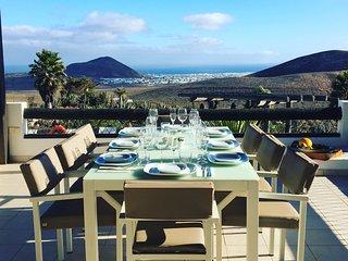 Master Terrace Villa Viha.